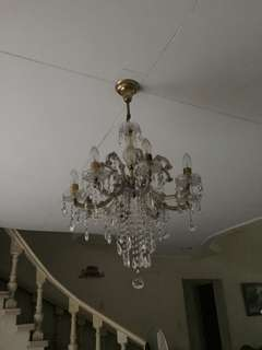 Chandelier light good as new