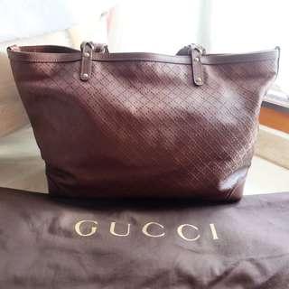 guci tote bag dibeli di Rp 19 juta
