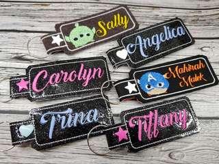 🚚 Glitter vinyl custom keytags