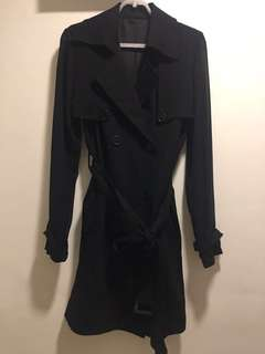 🚚 Double breasted trench coat