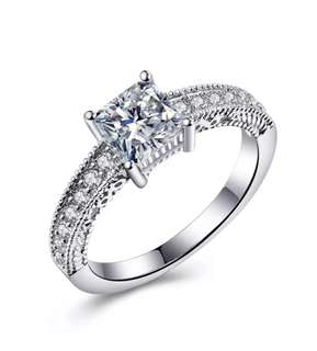 Stunning 925 Sterling Silver Classic Engagement Cubic Zirconia Ring