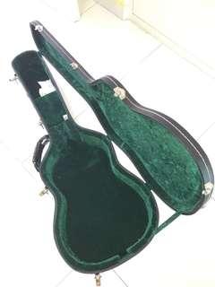 Classical guitar hardcase.