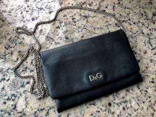 D&G shoulder bag size 9 inches (w) x 6inches (H)