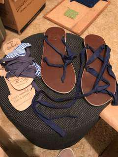 Ssekos sandals 3 pairs of laces Like new Size 8