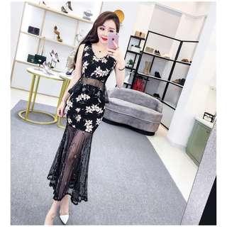 🚚 Real shot! New embroidery mesh stitching sleeveless V-neck shirt + high waist pack hip skirt suit female summer