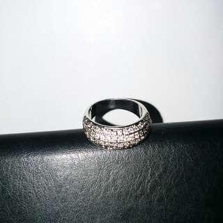 鑽石戒指 是否真品