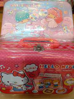 Hello Kitty / Little Twin Stars 文具鐵箱禮盒庄
