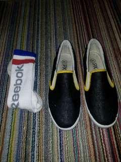 Sepatu custom