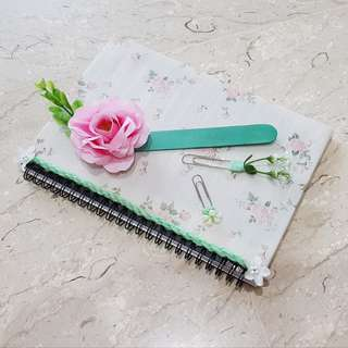 Classy Rosy Notebook Set