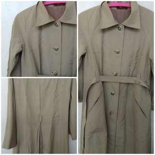 Khaki coat for ootd