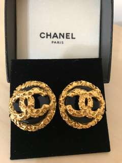Chanel Vintage Earrings (diameter:3cm clip)