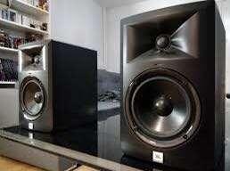 JBL PRO LSR305 Speaker