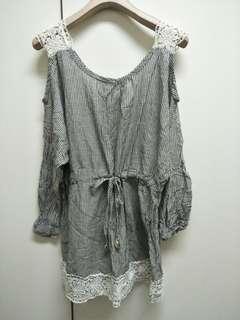 🚚 灰白細條紋綁帶修身長版上衣洋裝