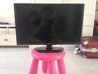 "TV LED Merek LG 24"""