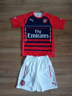 Arsenal jersey shirts and shorts (genuine)