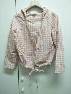 🚚 粉色格子防曬修身帽子襯衫外套