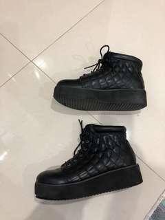 Jonnie boots