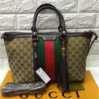 Gucci hand bag with sling