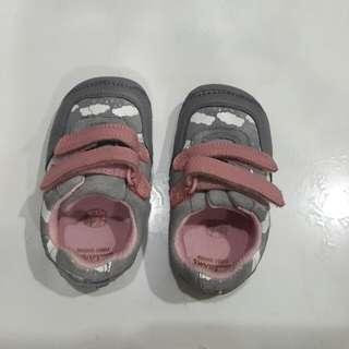 Clarks baby shoe