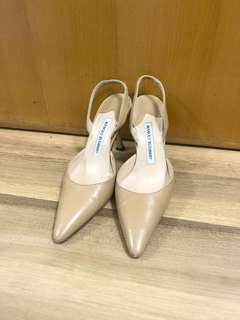 半折Authentic Manolo Blahnik size 36