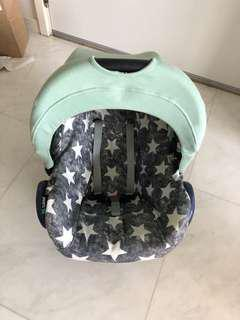 Maxicosi stroller car seat with cute cover & net
