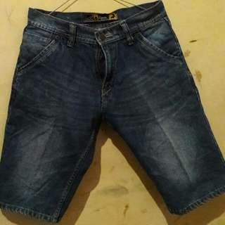 Celana pendek lois uk.27 70rb
