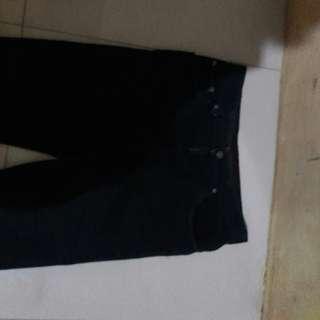 Celana panjang boss uk.33 150nego