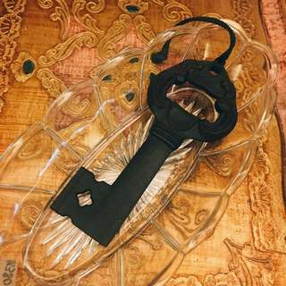 日本帶回 早期收藏 中古 懷舊 鐵藝 金屬 鎖鑰 老擺飾 / 掛飾 / 擺設 / 擺件