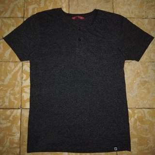 Penshoppe Semi Fit Tee w/ Button-up Collar (S)
