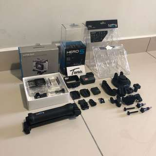 GoPro Hero 5 Black & Orignal Accesoties