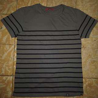 Penshoppe Semi Fit Striped Tee in Gray (S)