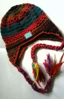 Red skins himalayan hat
