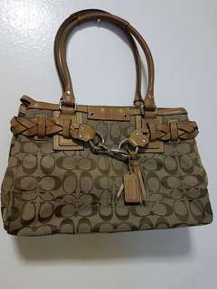 Auth Coach Hampton Belted Carry all