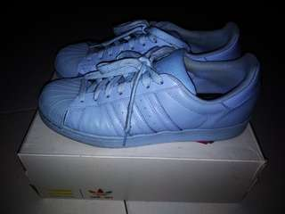 Adidas superstar Pharrell Williams Edition, warna Biru Muda