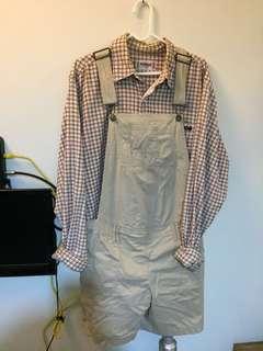 🚚 卡其色吊帶短褲+米白色復古格子襯衫