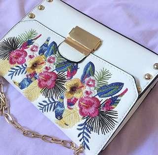 Stradivarius flower bordir sling bag