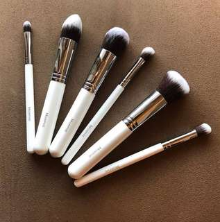 ✨SALE✨[Authentic] MORPHE 6 Piece Deluxe Contour Brush Set