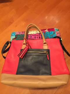 Bought in Coach HK, 七成新, size 12x34x36 cm