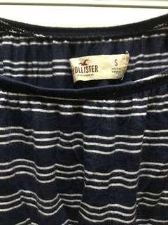 Hollister一字肩Top