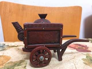 紫砂馬車茶壺