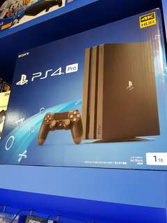 PS4 Pro 1TB BNIB with gifts