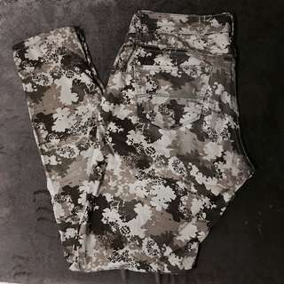 Midwaist Camouflage Pants