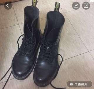 🚚 Dr. Martens 10孔長靴