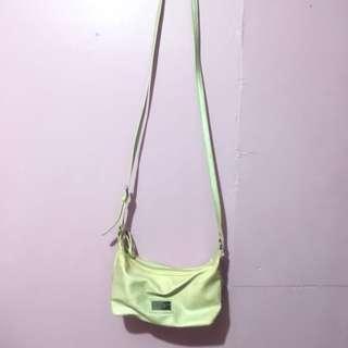 Tommy Hilfiger sling bag Authentic