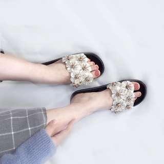 (READY STOCK) Floral beach sandal