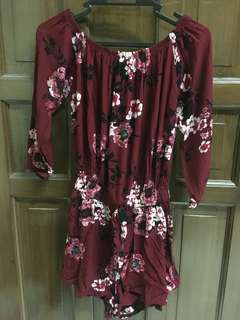 ✨SALE ✨ Off-shoulder Maroon Floral