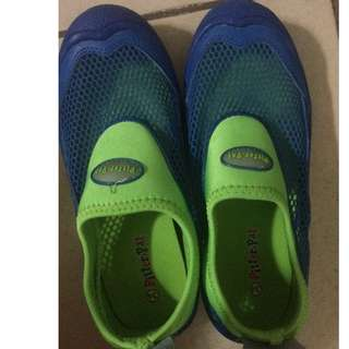 Aqua Shoes (Pitter Pat)