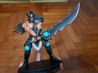 League of Legends - Tryndamere Figurine