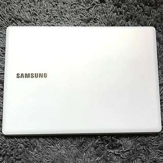 SAMSUNG 110S1J.. 11.6 inches 128GB SSD