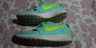 MINT GREEN ROSHE ORIGINAL